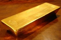 Gold to extend rally in 2020 as retail investors climb on board